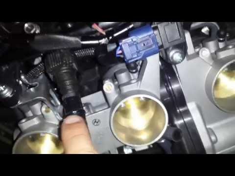 Yamaha FJ-09/MT-09 Tracer/FZ-09 Fuel Tank Removal and Thrott