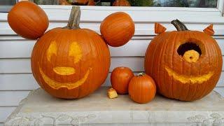 DIY Mickey Mouse pumpkin carving
