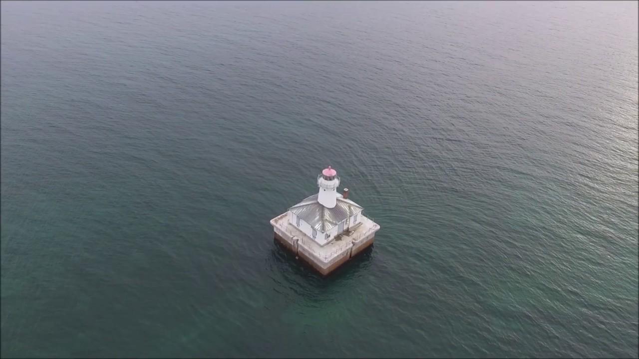 Fourteen Foot Shoal Lighthouse - YouTube