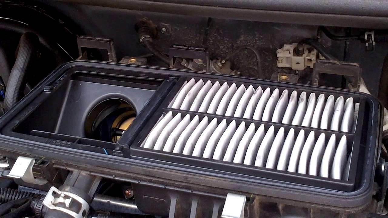 cara membuka cover filter udara pada ayla n agya - youtube