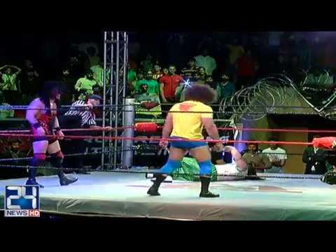 Wrestlers continue to entertain fans as PWE Pakistan reaches Lahore