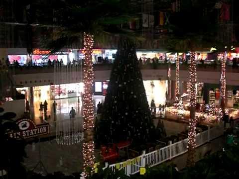 2010 Christmas Light Show - Micronesia Mall, Guam