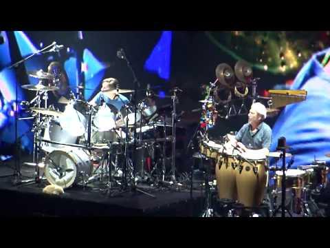 Phil Collins  Drum Duet by Nicolas Collins and Luis Conte  Live in Paris 19 06 2017