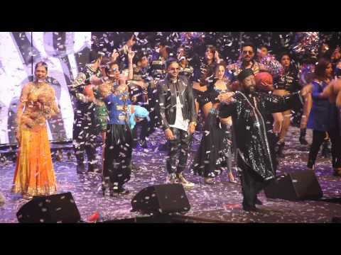 Happy New Year HNY SRK And Team Rocking Slam Tour 2014 NJ