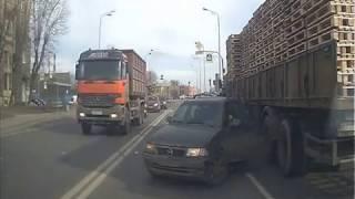 ДТП на Октябрьской набережной