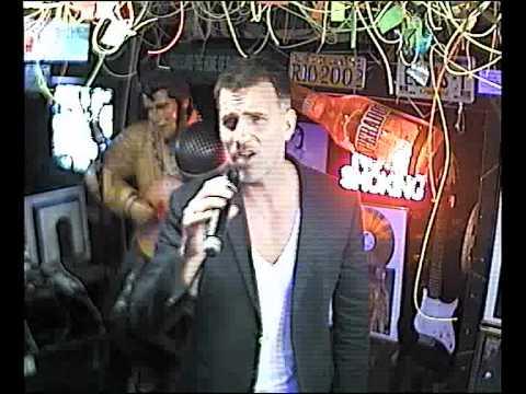 Christoph singt Aber bitte mit Sahne im Karaoke Fun Pub Stuttgart http://www.funpub.de