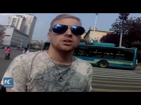 American lad stopped for running red light in China's Jinan