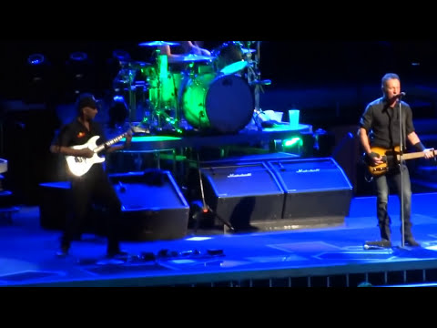 Bruce Springsteen - Youngstown - Perth 7 February 2014 (multicam sbd)