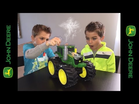 NEW John Deere Tractor toy with real water Vapor!!