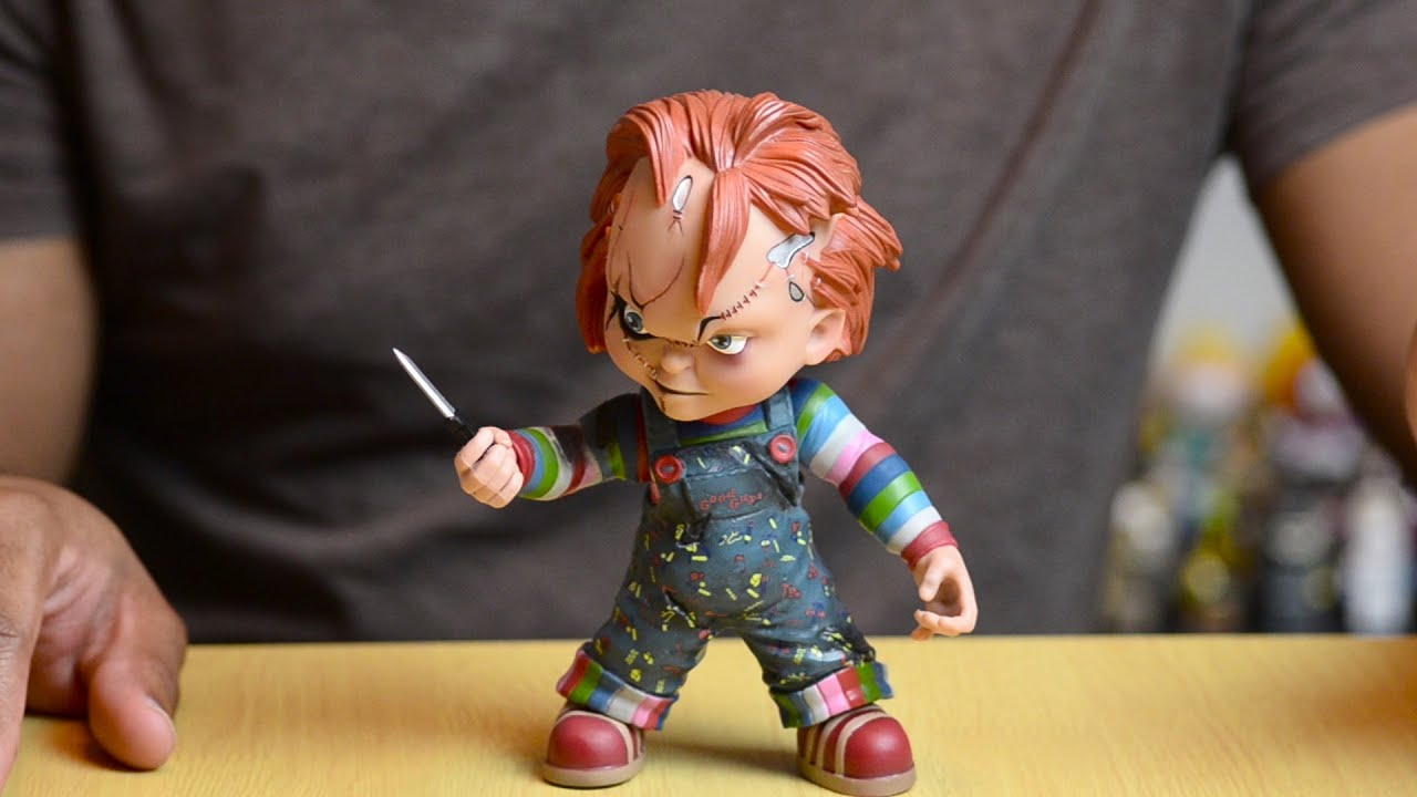 Toys R Us Chucky : Mezco child s play chucky vinyl figure review youtube