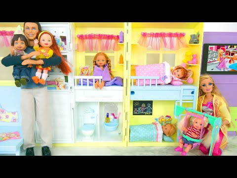 Happy Family Barbie Doll House - Mom,Dad, Baby dolls Puppenhaus Mamãe Rumah boneka Ibu باربي البيت