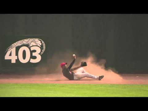 Greatest CF catch since Willie Mays 9/29/54