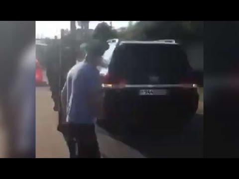 Помощник президента Абхазии протаранил ворота таможенного поста