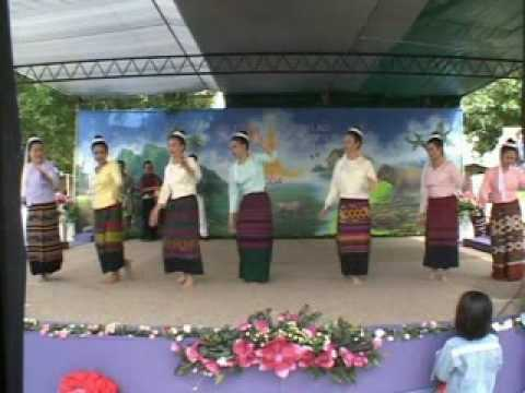 Muang Sing Tai Lue  Dance,  Lao New Year ,California, USA