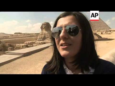 Tourists return to Cairo as protests end