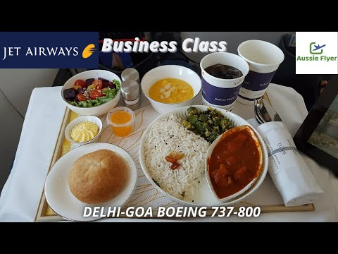 Jet Airways B737-800 Business Class ✈ Mumbai To Goa 9W472 (NEAR BIRD STRIKE!)