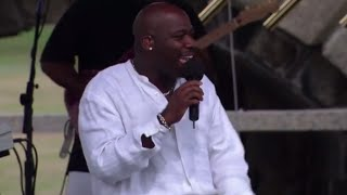 Will Downing & Gerald Albright - Stop, Look, Listen (To Your Heart) - 8/15/1999 (Official)