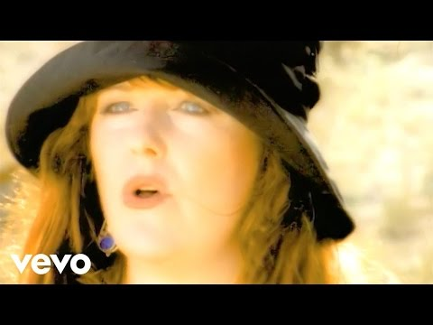 Maggie Reilly - Follow The Midnight Sun (Official Video)