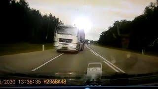 """Киа"" плавно через сплошную закатилась под грузовик. Real video"