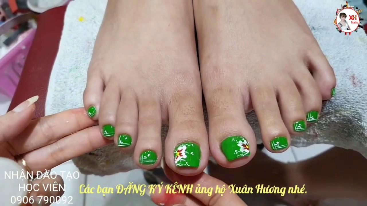 Kỹ thuật vẽ hoa đơn giản trên móng chân | XUAN HUONG NAIL