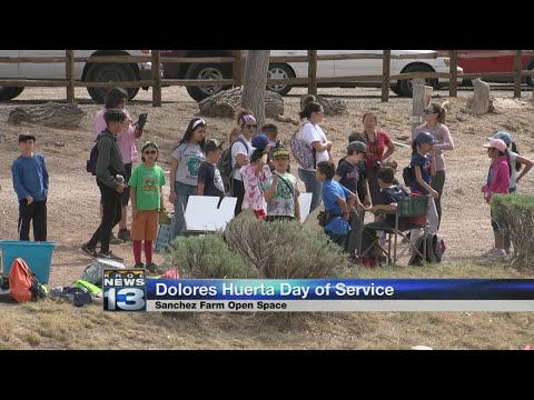 Local students learn about migrant farm workers movement
