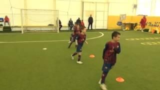 Детская тренировка в клубе Барселона.