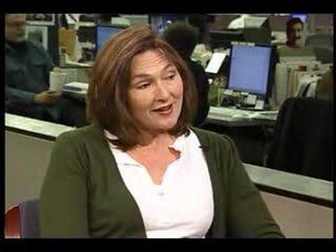Former SNL star Nora Dunn talks to Chicago Tribune