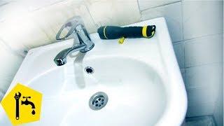 ✅ Как установить раковину в ванной и ПОДКЛЮЧИТЬ КРАН И СИФОН / Ремонт сантехники