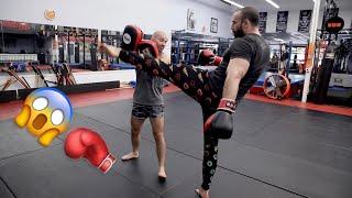 BODYBUILDER VS MMA