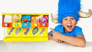 Senya and Mom kids story about candy machine смотреть онлайн в хорошем качестве бесплатно - VIDEOOO