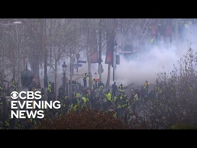 french-police-fire-tear-gas-at-protesters-in-paris