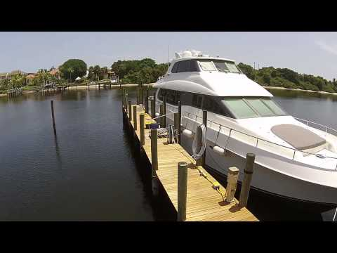 1999 76' Lazzara Sky Lounge- Offered for Sale