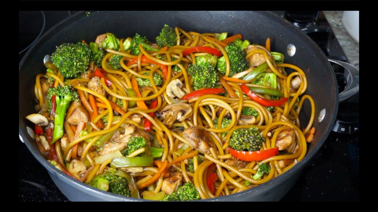 Download ESPAGUETI ESTILO CHINO 🍝 Cómo hacer comida china con carne de pollo, brócoli y espagueti