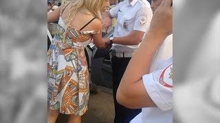 В Волгограде родственница депутата облдумы шокировала очевидцев ДТП неадекватным поведением