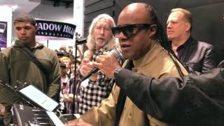 STEVIE WONDER plays KEYSCAPE!!