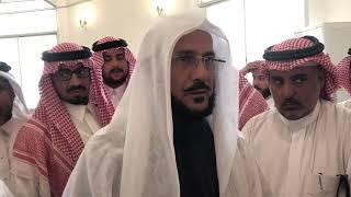 بالفيديو.. وزير الشؤون الإسلامية يتفاعل مع لفتة رائعة نبهه إليها مواطن - صحيفة صدى الالكترونية
