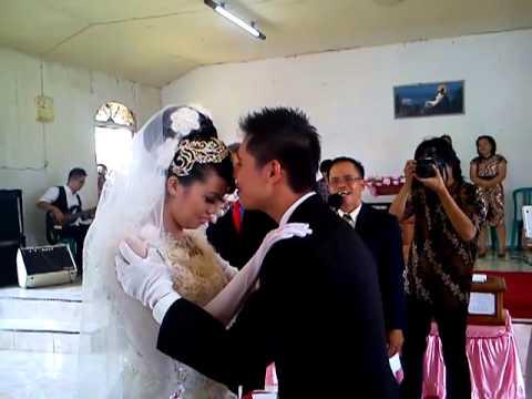 Pernikahan evi dan usu