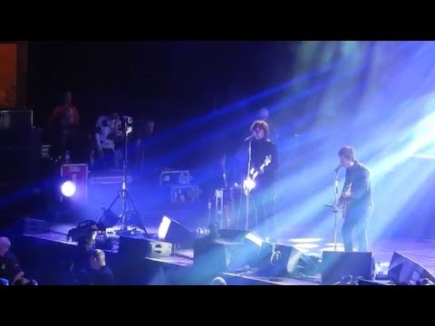 Noel Gallagher Genting Arena 29th April 2016 'Listen Up' excerpt featuring Serge from Kasabian