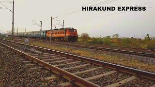 Hirakund Express 🚄 Arriving At Bina Malkhedi Jn   Amritsar - Visakhapatnam   West Central Railways