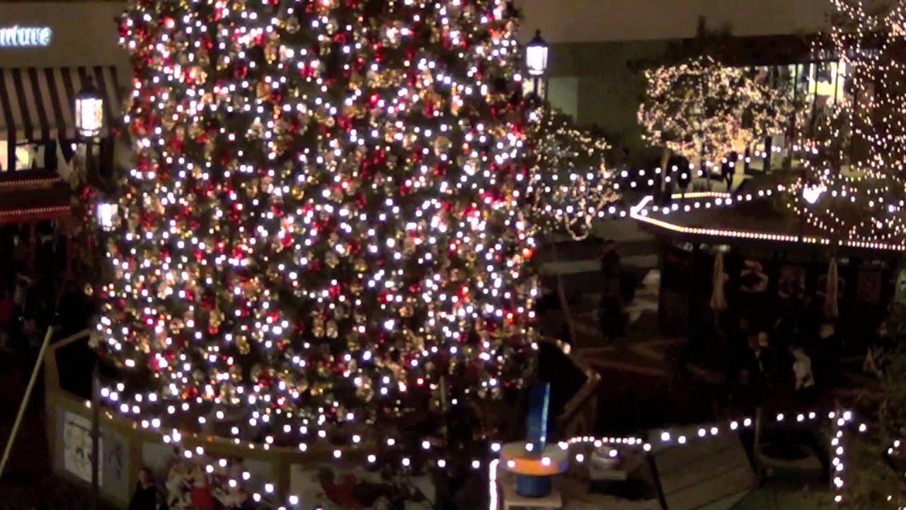 Americana christmas ornaments - Americana At Brand Christmas Time