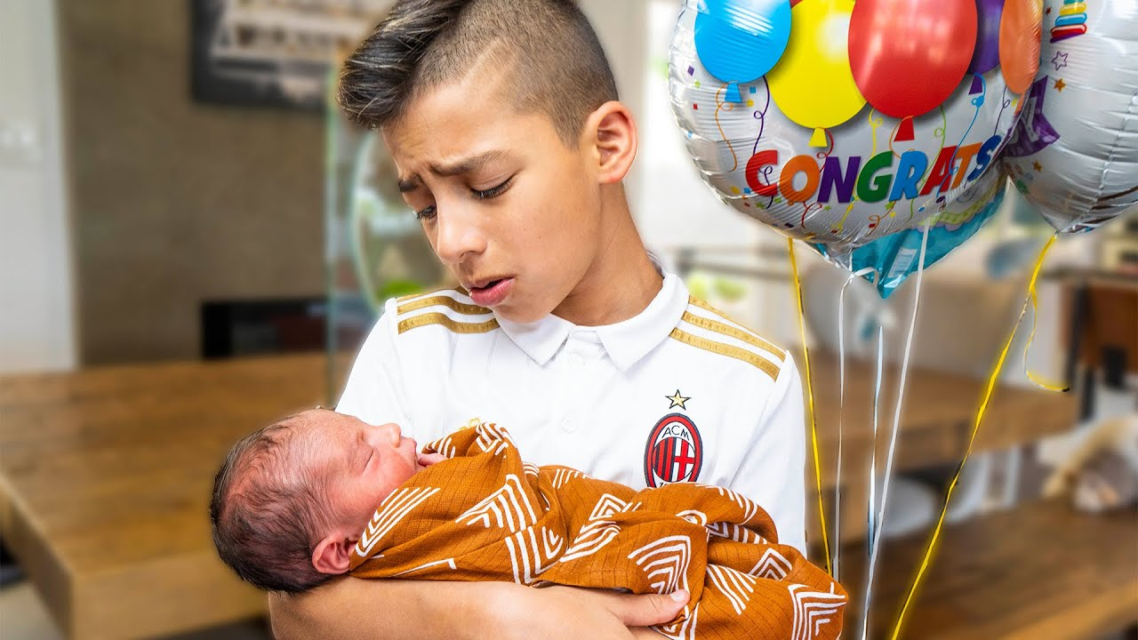 Download Ferran Meets His BABY BROTHER For The FIRST TIME!! | The Royalty Family