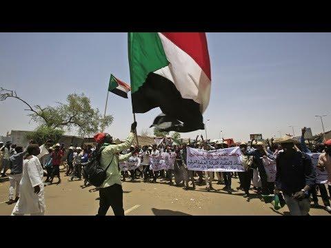 الإضراب يشل حركة المصارف في الخرطوم  - 09:54-2019 / 5 / 30