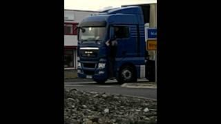LKW Fahrer rastet aus