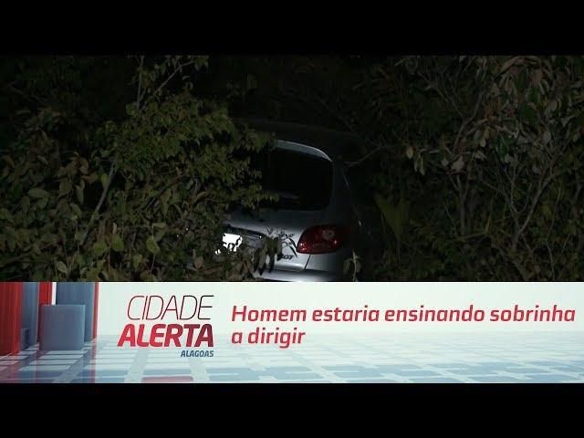 Carro cai em ribanceira: homem estaria ensinando sobrinha a dirigir