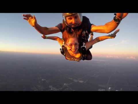 2029 Lila Scher Skydive at Chicagoland Skydiving Center 20160813 Andy Jason