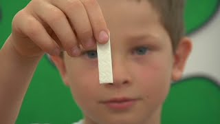 Should Chewing Gum Be Banned? Behind the News