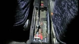 Замена тросика стояночного тормоза. Passat B3(, 2016-10-20T19:14:08.000Z)