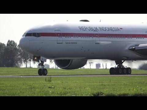 REPUBLIK INDONESIA! Garuda Indonesia Boeing 777-300ER (PK-GIG) Take Off At AMS 36L