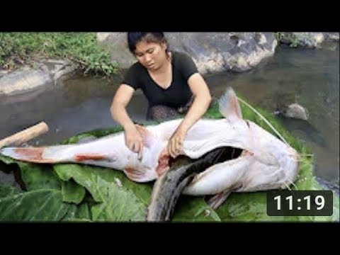Primitive Technology - Cooking Big Cat Fish By Girl At River - Grilled Fish Eating Delicious 01