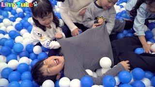 라임 딸기 키즈카페 어린이 놀이터에 가다! Indoor Playground Fun for Kids | Tayo ТАЙО Игрушки | LimeTube & Toy 라임튜브